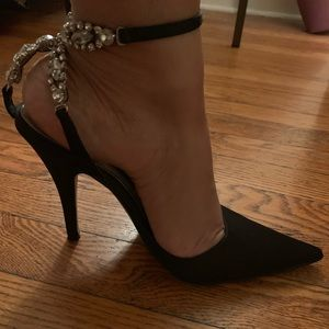 Steven~ Size 8 Black Jeweled Satin Pump